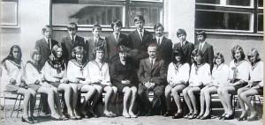 1975_8a