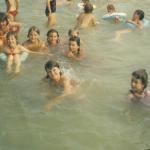 fürdőzők egy csoportja Gyulán